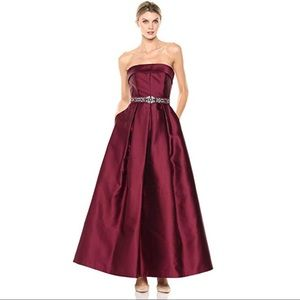 ELIZA J Belted strapless gown